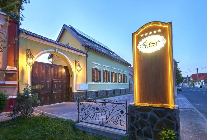 Cazare la Resort Ambient